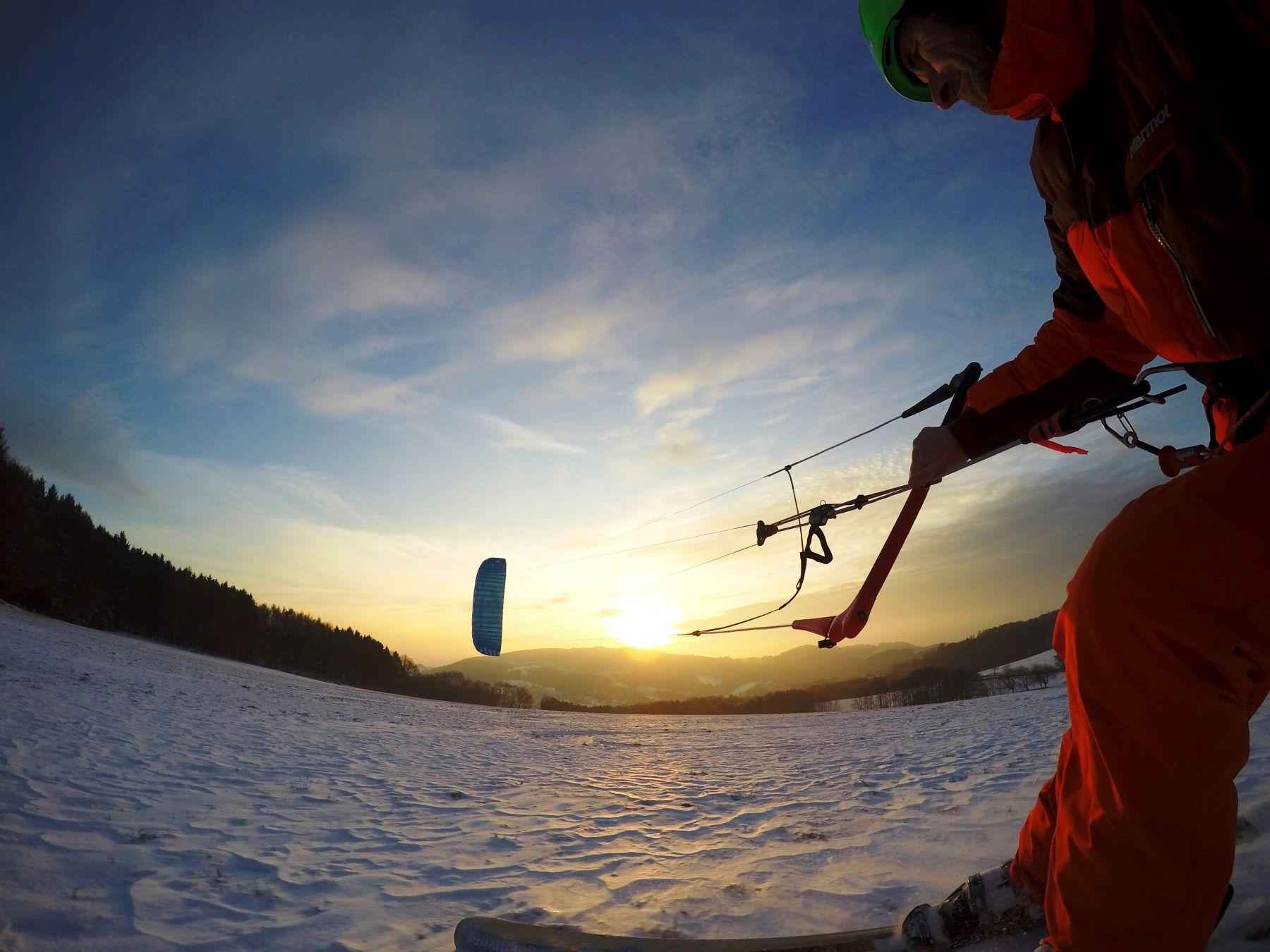 HQ4kites_Montana_x_snowkite-odenwald