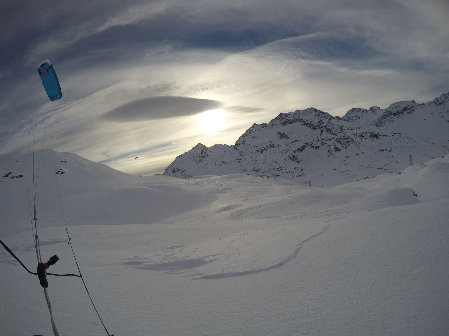Ozonekites_ExploreV1_snowkite_odenwald_Passo_Bernina_backcountry_1