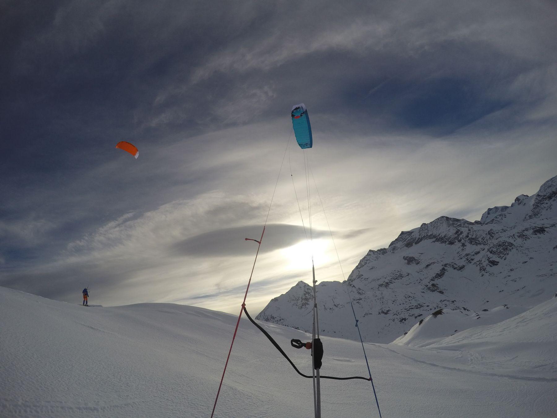 Ozonekites_ExploreV1_snowkite_odenwald_Passo_Bernina_backcountry_3