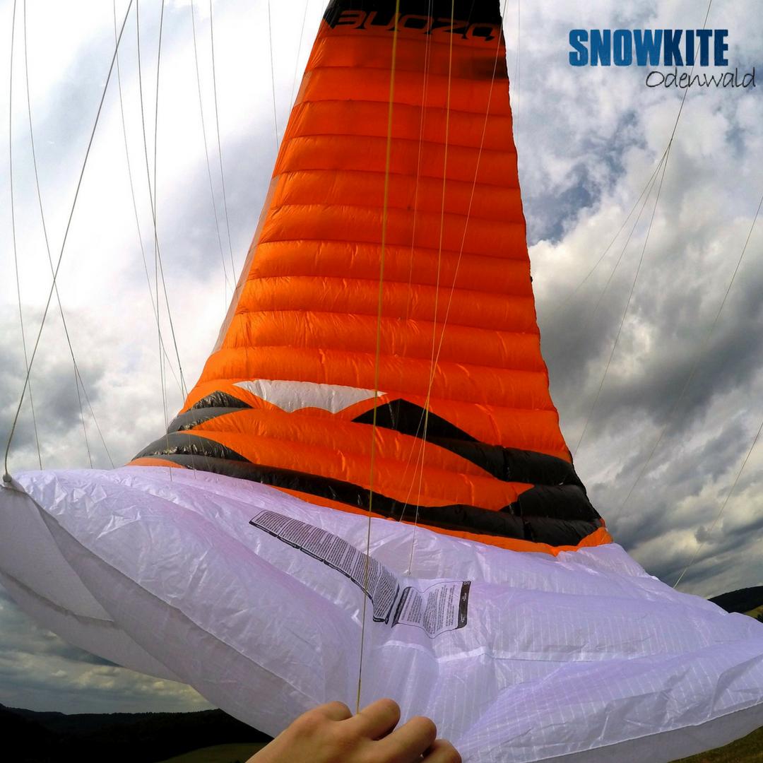 Ozonekites_SubzeroV1_Snowkite-Odenwald