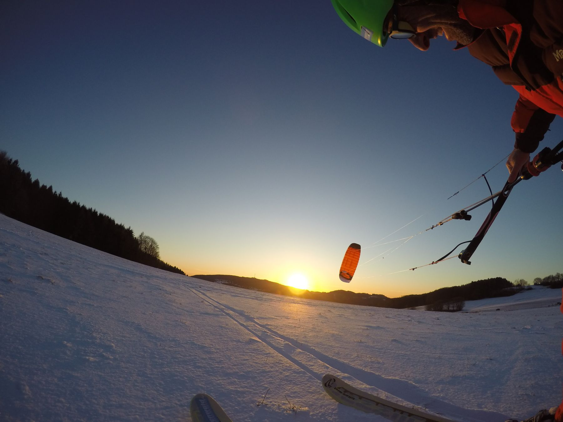 Snowkite_Odenwald_Sundown_Ozonekites_subzerov1